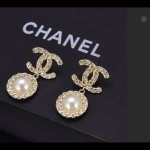 2019 CHANEL Coronation Earrings BNWB
